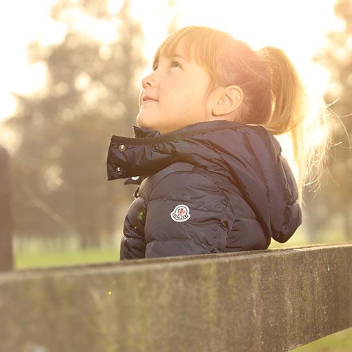 盟可睐(Moncler)女童服装