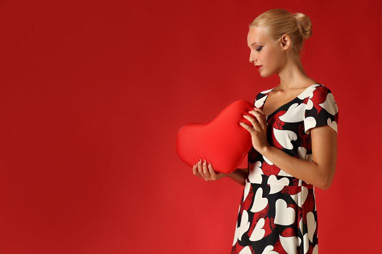 莫斯奇诺(Moschino)女装