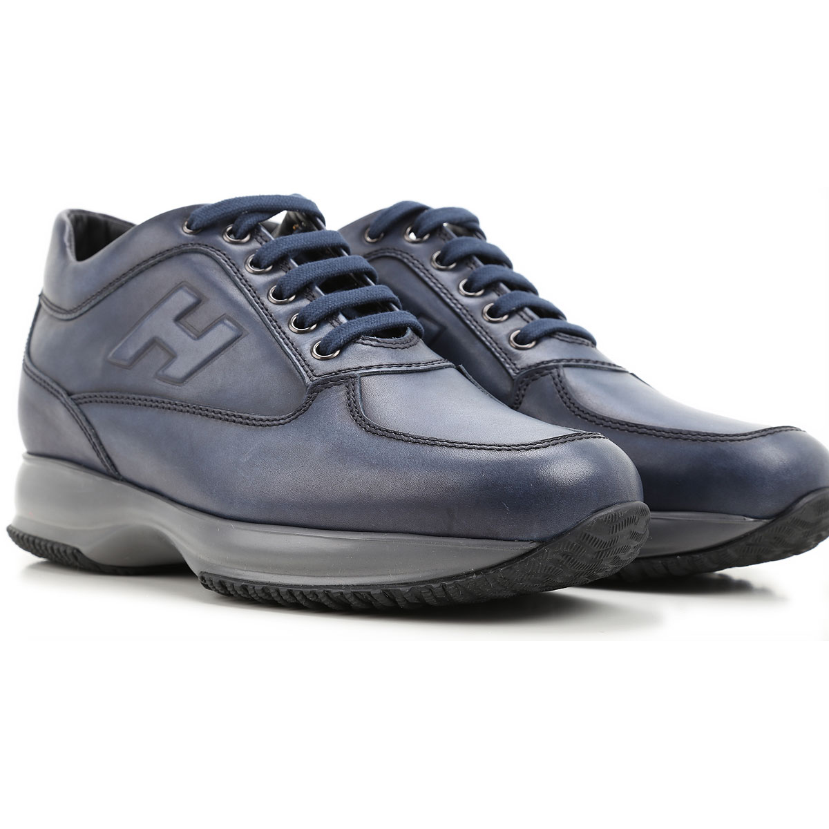 Do Golf Pro Shops Sell Golf Shoes