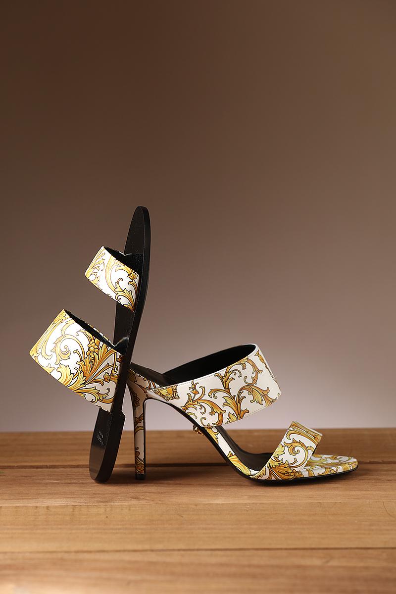 Sapatos Fendi